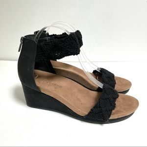 Lucky Brand 9 Kaydyn Sandal Black Crochet Wedge